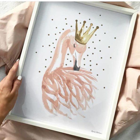 lamina-enmarcada-niña-flamingo-rosa