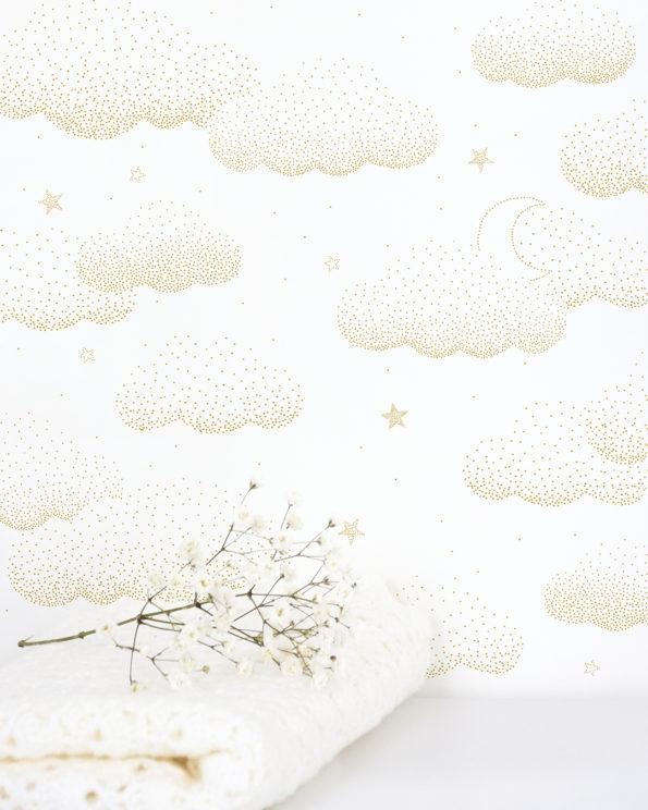 Papel Pintado Nubes Estrellas Dorado